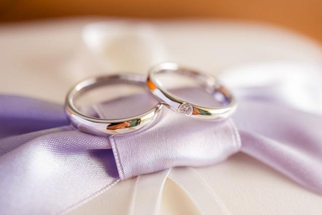 ベッキー結婚で主婦の反応は?不愉快や引退を求める声も!今後の活動は?