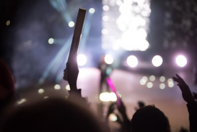 GReeeeNライブ2019のセトリと感想!本人は来ずどうやって演出する?